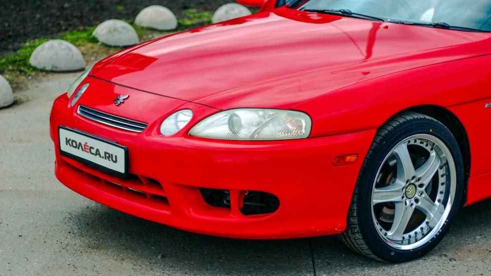 Toyota Soarer красная передняя часть