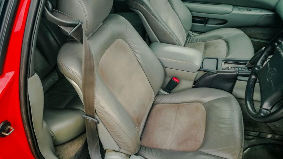 Toyota Soarer передние сидения
