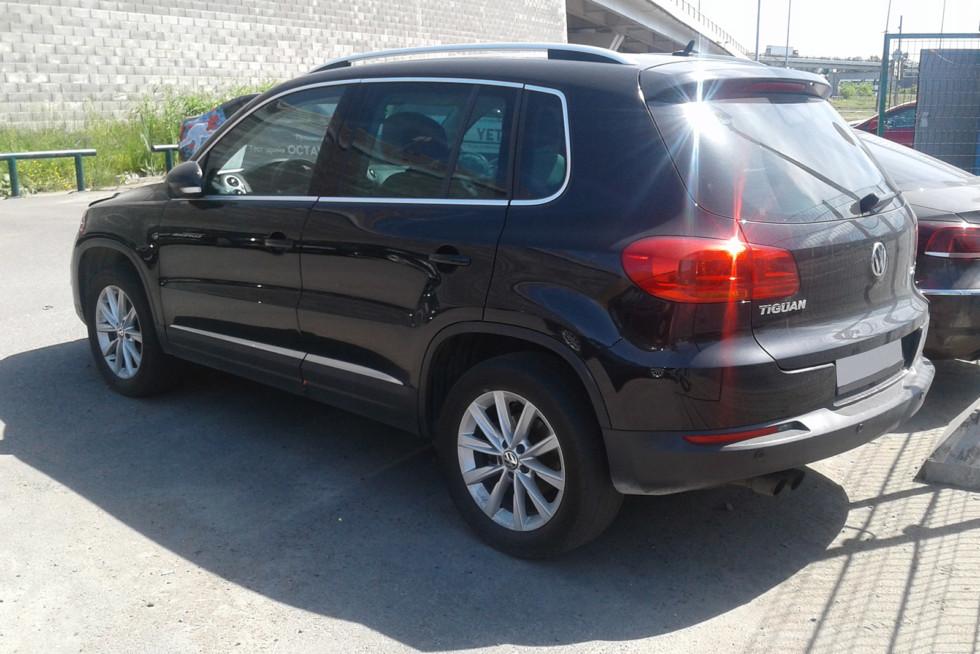 Volkswagen Tiguan черный 2