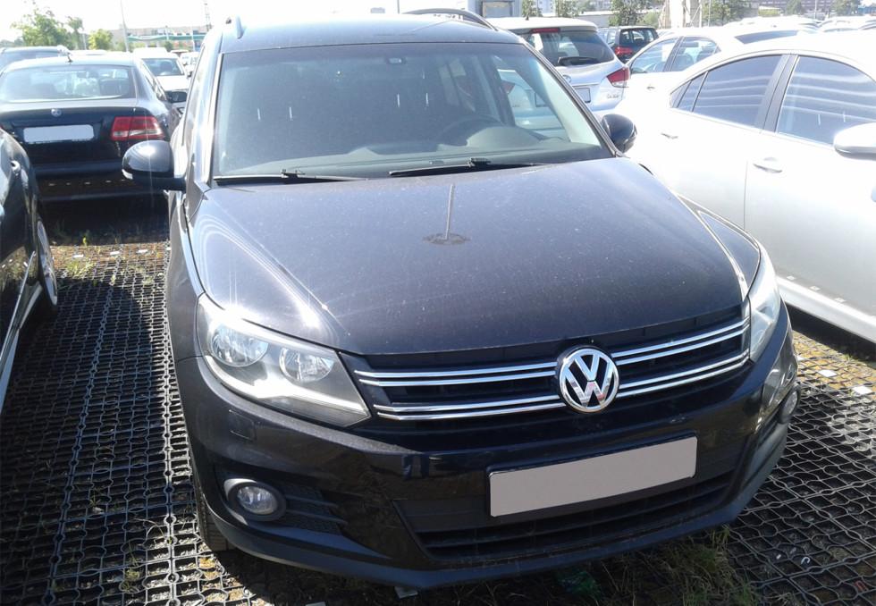 Volkswagen Tiguan черный 4