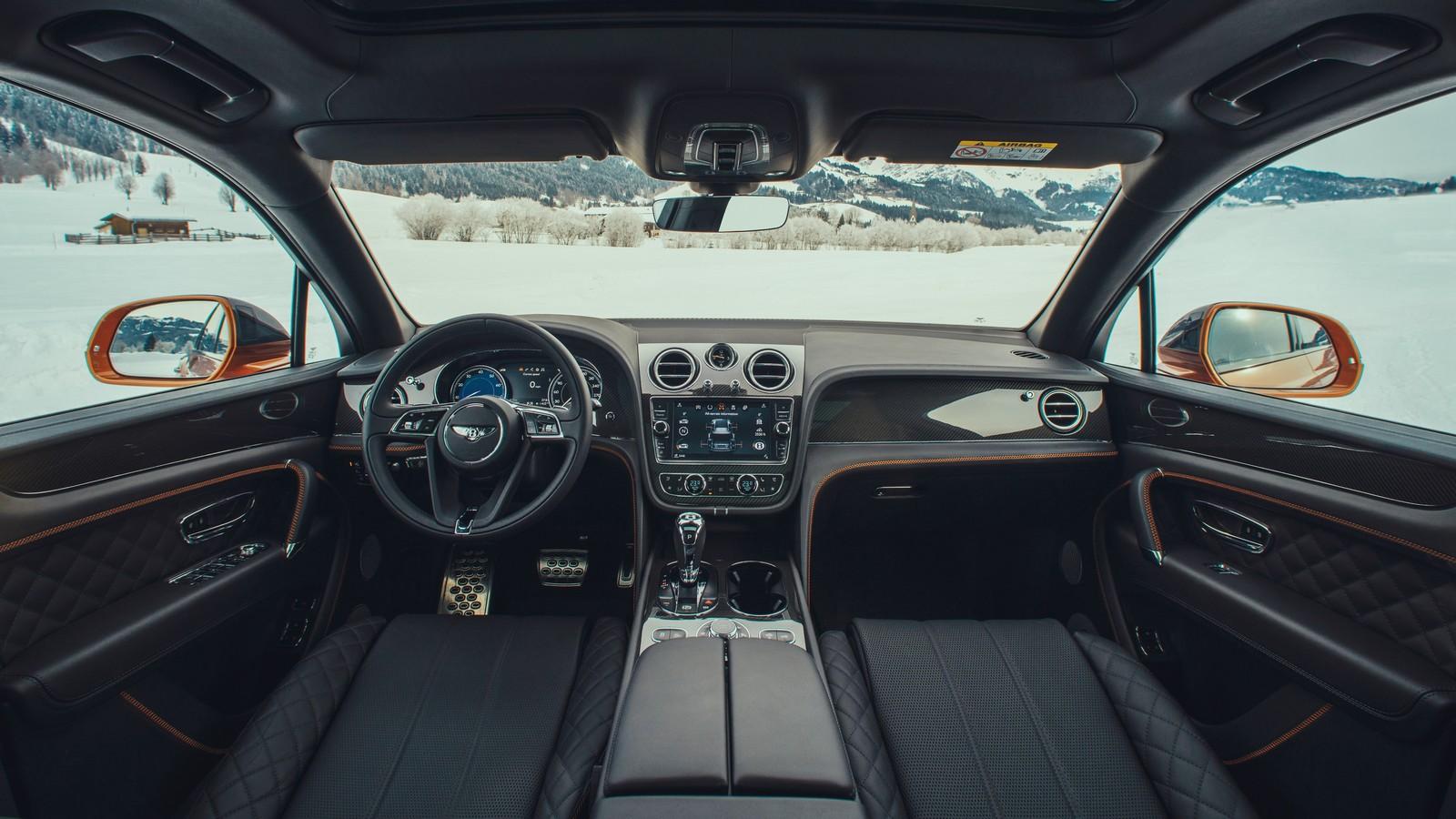 В РФ  доступен 550-сильный Бентли  Bentayga V8