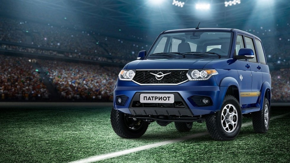 uaz-patriot-football-3