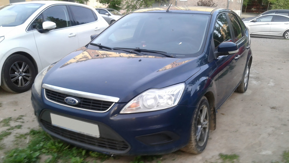 Ford Focus ll сини спереди