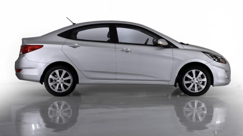 Hyundai Solaris (RB) '2010–14 сбоку