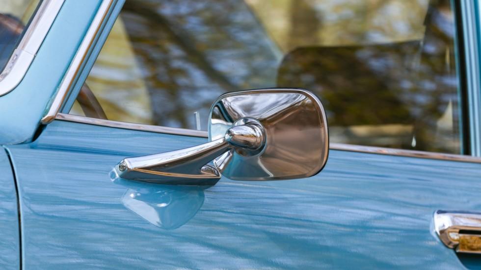 Mazda RX-2 голубая боковое зеркало