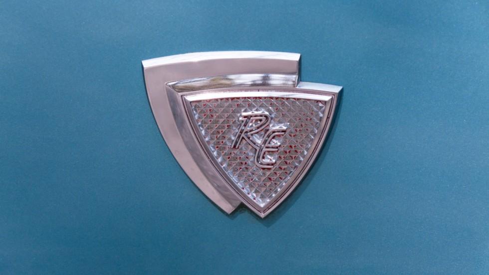Mazda RX-2 голубая шильдик (2)