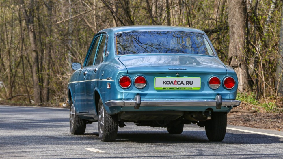 Mazda RX-2 голубая сзади (1)