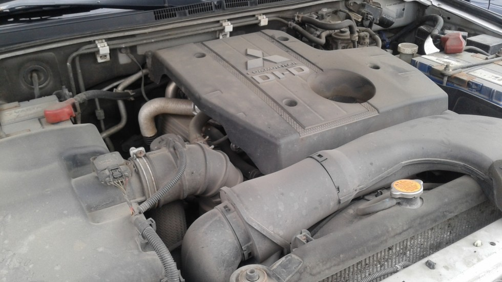 Mitsubishi Pajero IV двигатель