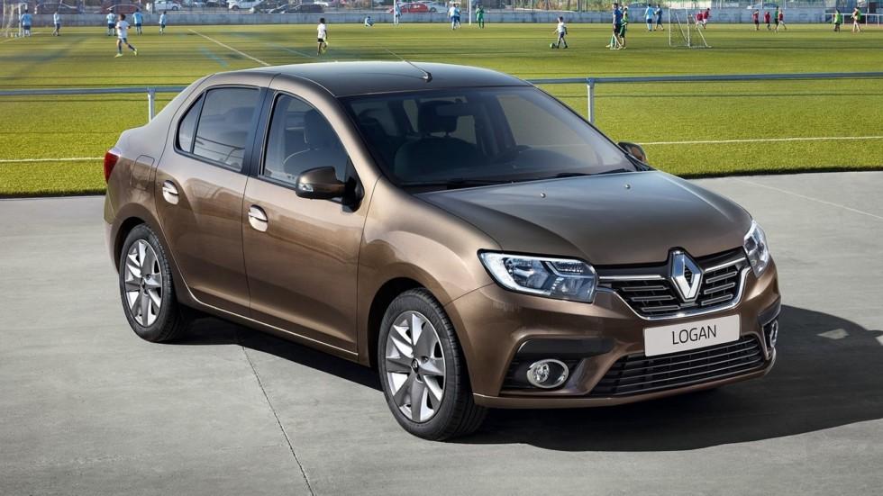 Renault Logan коричневый три четверти