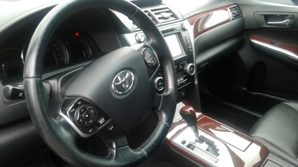 Toyota Camry XV50 салон (1)