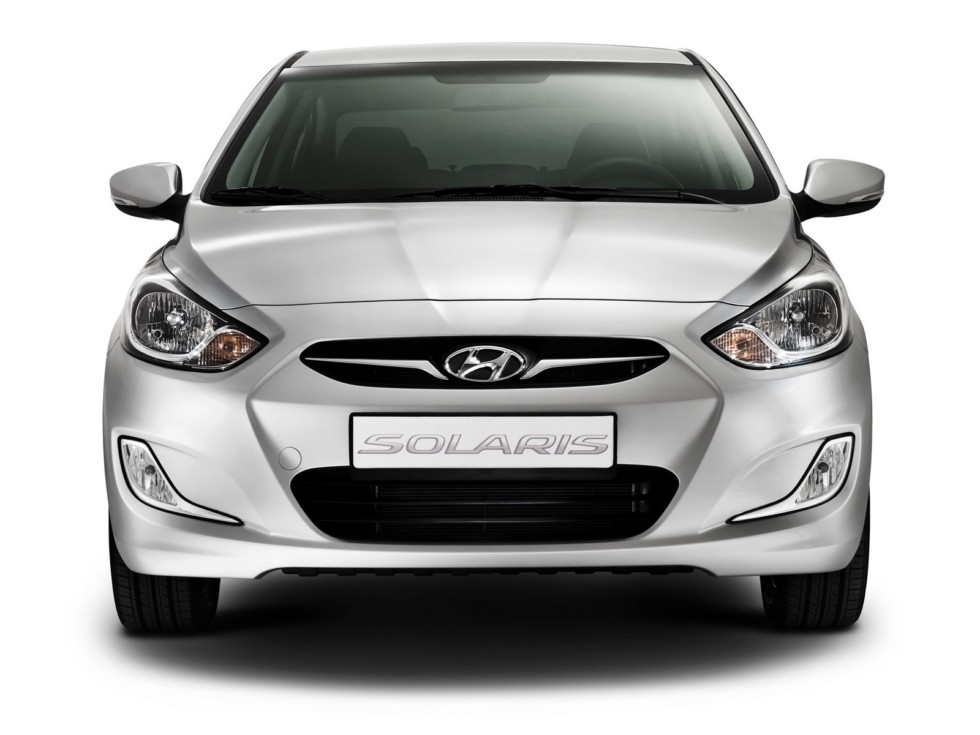 Hyundai Solaris (RB) '12.2010–14 спереди