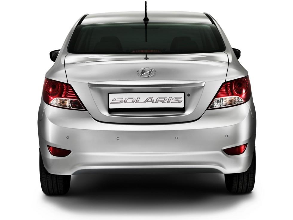 Hyundai Solaris (RB) '12.2010–14 сзади