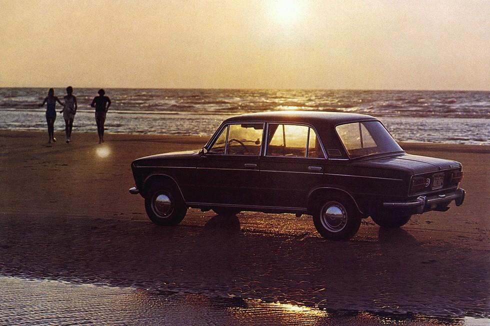 ВАЗ 2103 Жигули на пляже