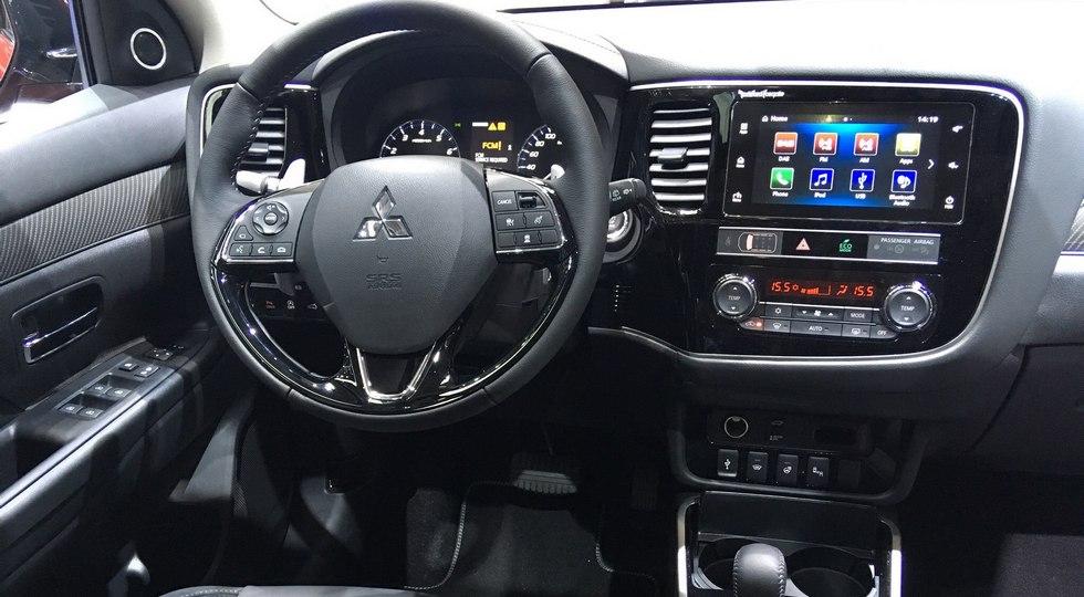 Обновленный Mitsubishi Outlander: скоро в России