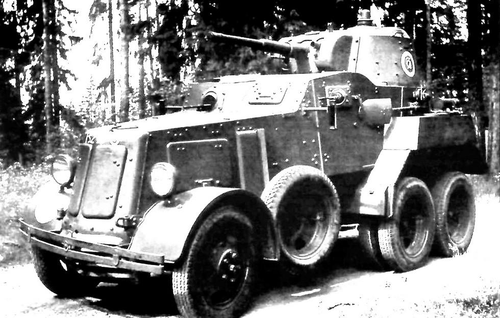 Переделанная в Финляндии бронемашина БА-10М с мотором Ford V8