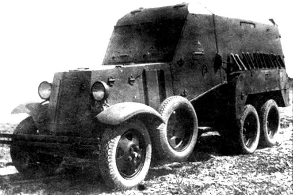 Экспериментальная санитарная бронемашина БА-22 с задними распашными дверями