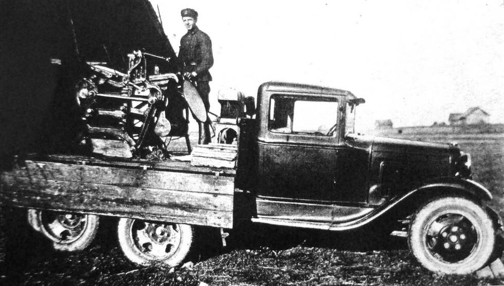 Мобильная типография в бортовом кузове довоенного автомобиля ГАЗ-ААА