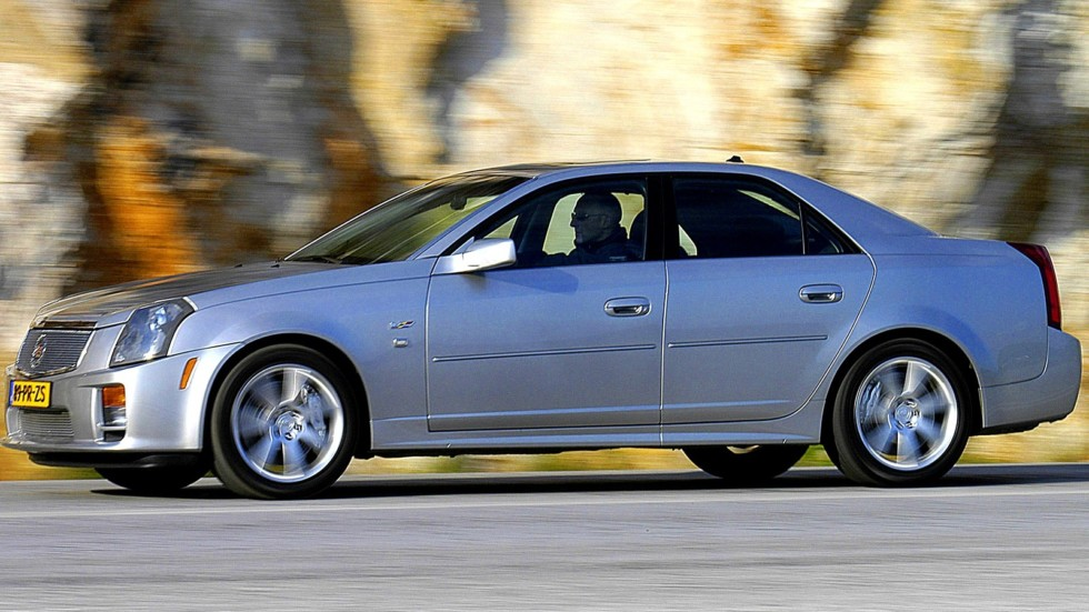 Cadillac CTS-V Worldwide '2004–07 сбоку