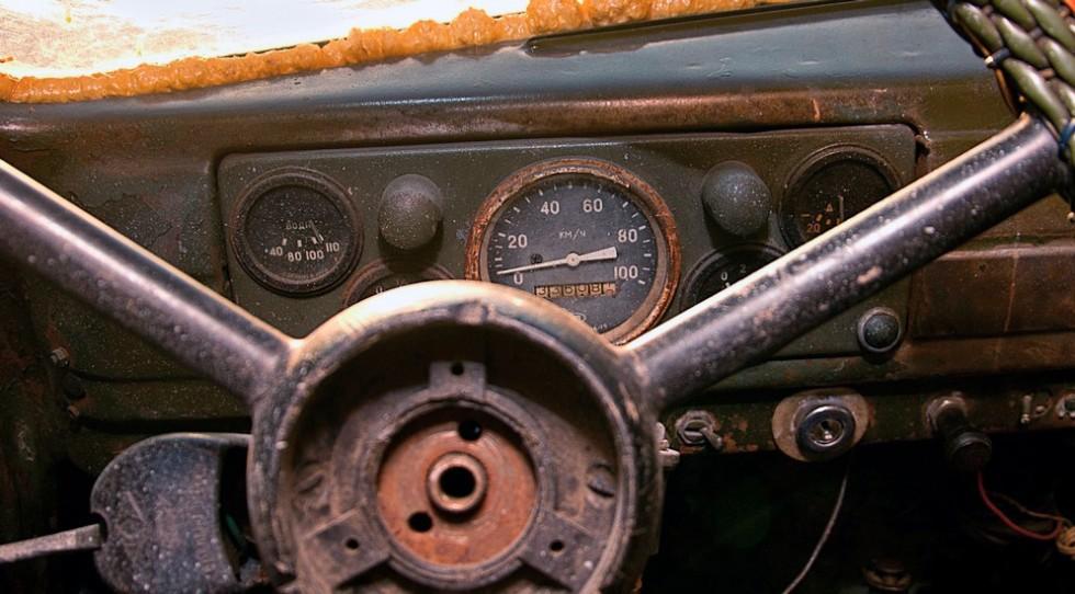 ГАЗ-51-приборная-панель-2