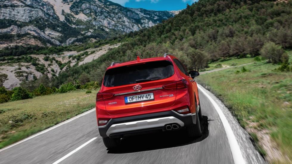 Hyundai Santa Fe Worldwide (TM) '2018 красный сзади