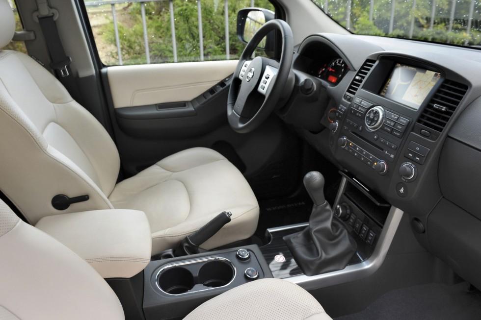 Интерьер Nissan Pathfinder (R51) '2010–14