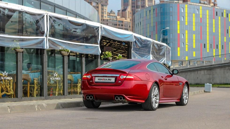 Jaguar XKR красный сзади