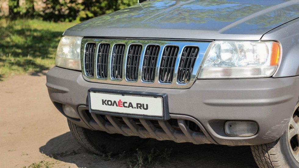 Jeep Grand Cherokee WJ спереди