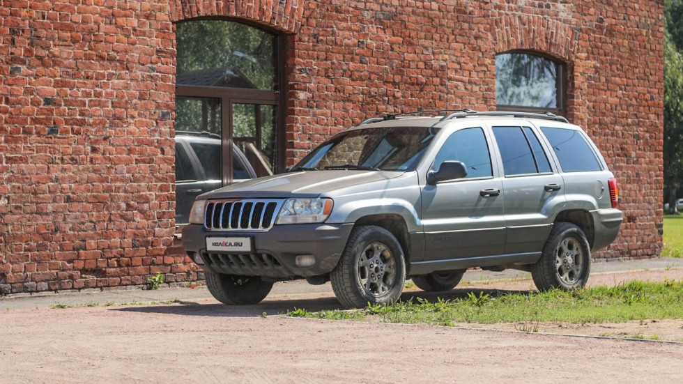 Jeep Grand Cherokee WJ три четверти