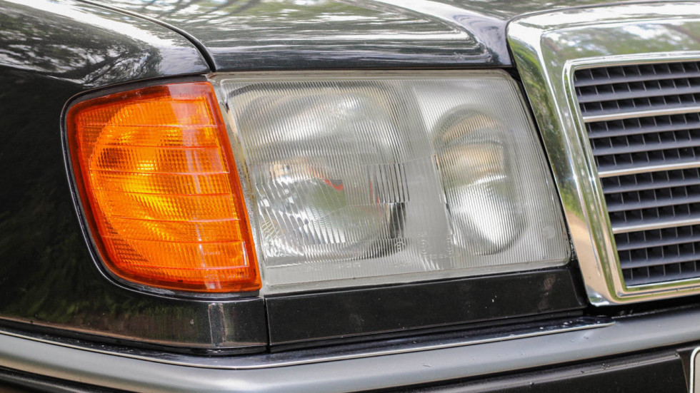 Mercedes-Benz C124 фара