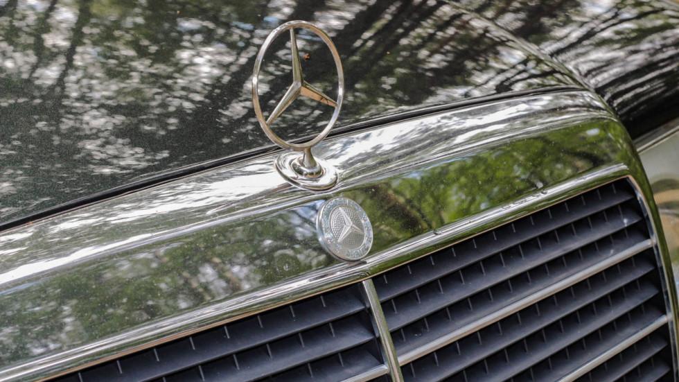 Mercedes-Benz C124 шильдик
