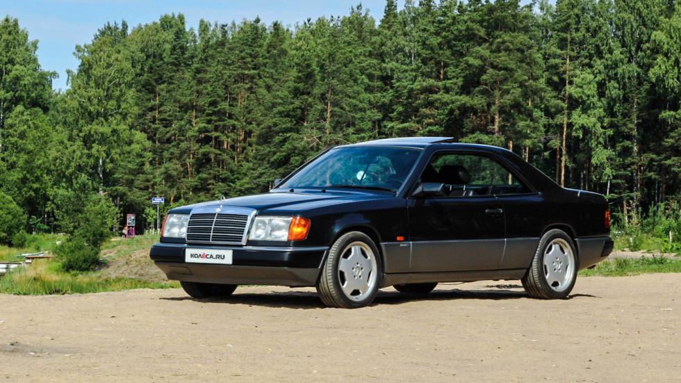 Mercedes-Benz-C124-в-лесу-три-четверти