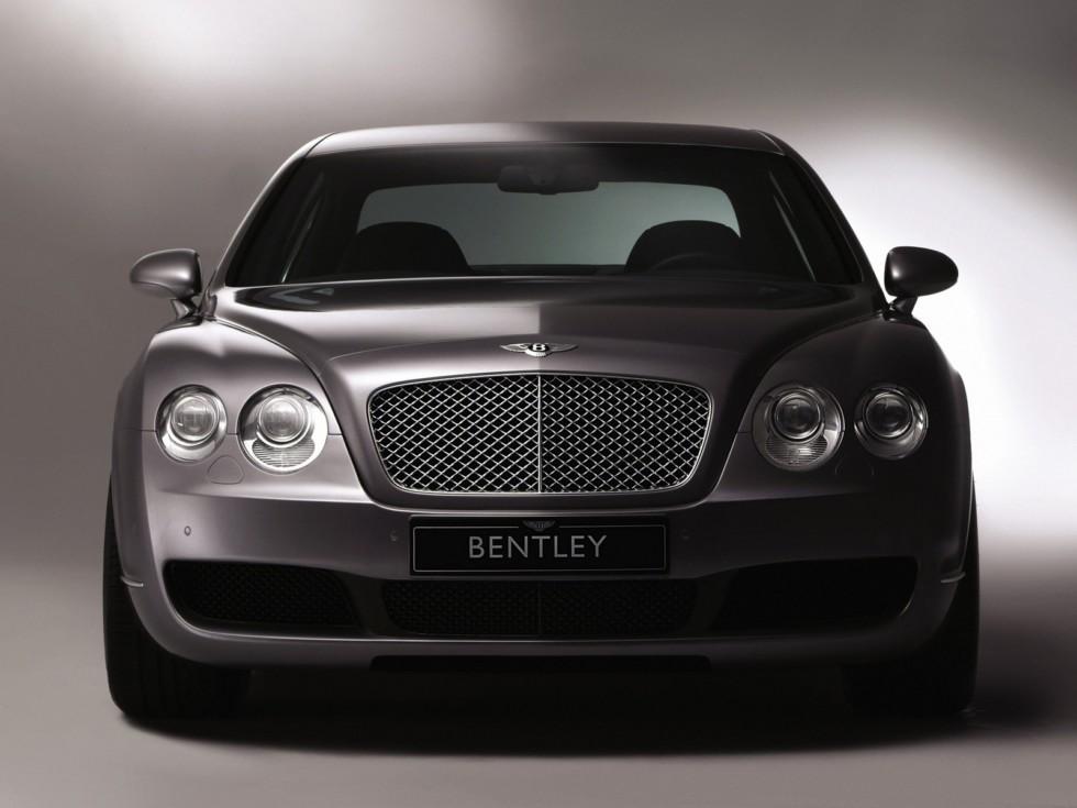 Bentley Continental Flying Spur спереди