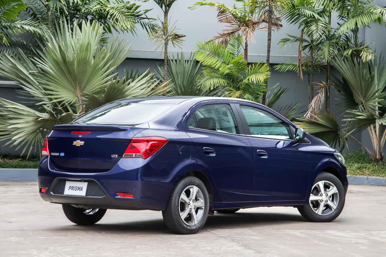 Переехавший на новую платформу «бюджетник» Chevrolet Prisma опять попался фотошпионам