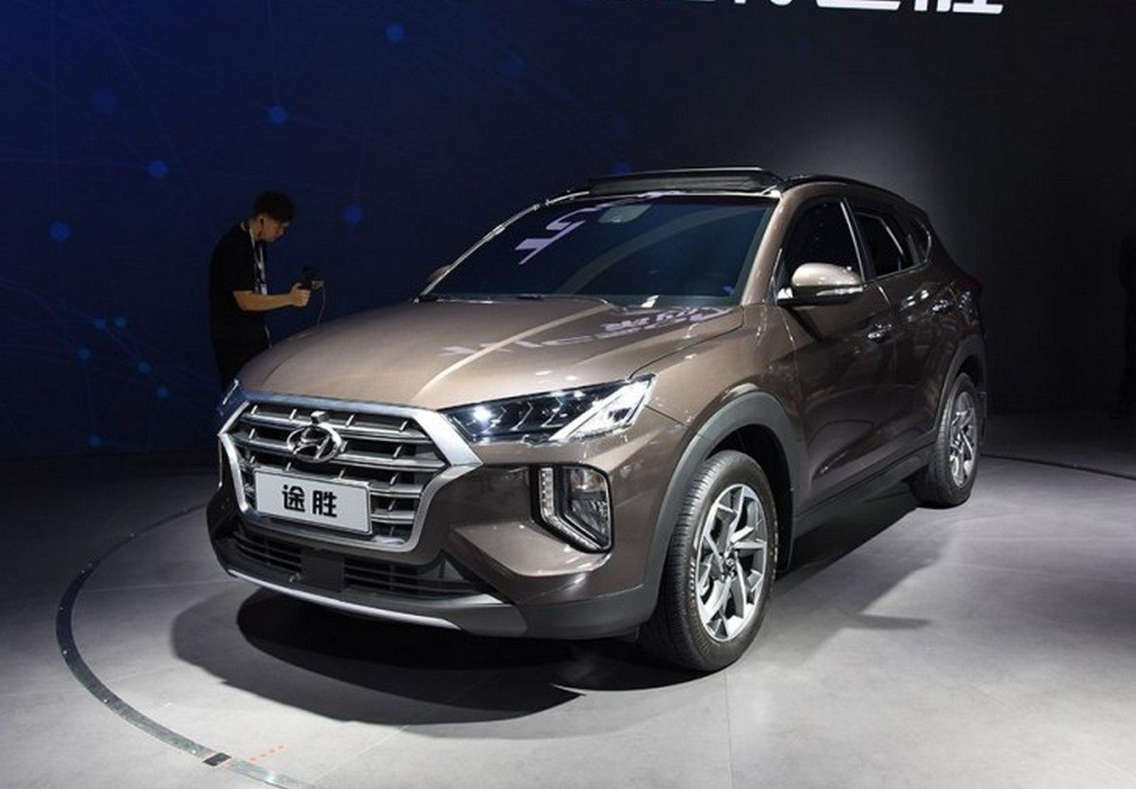 Другой Hyundai Tucson-2019: новый салон и отставка «атмосферника»