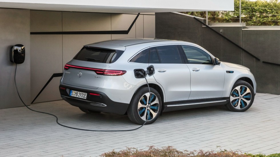 Daimler учится на ошибках GM: проблем с гарантией на электромобили не будет
