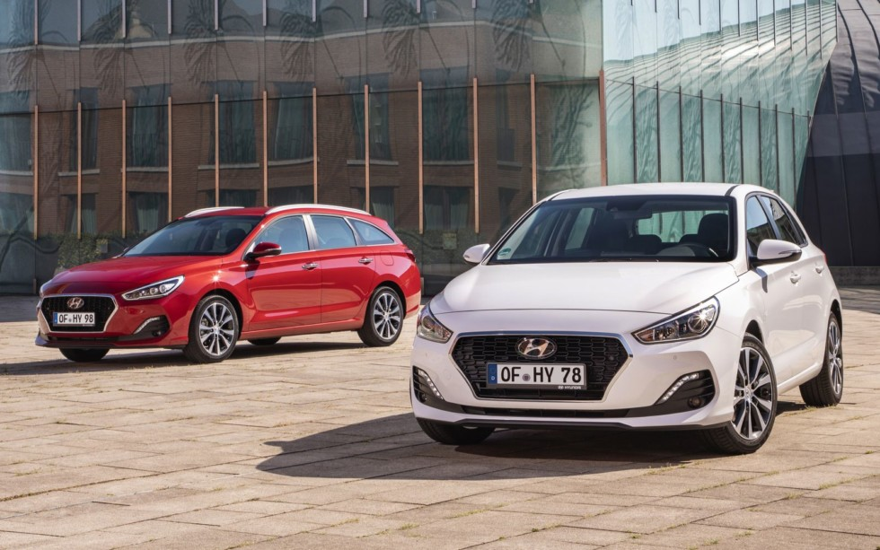 Hyundai i30 хочет объехать Kia Ceed на рестайлинге и мочевине