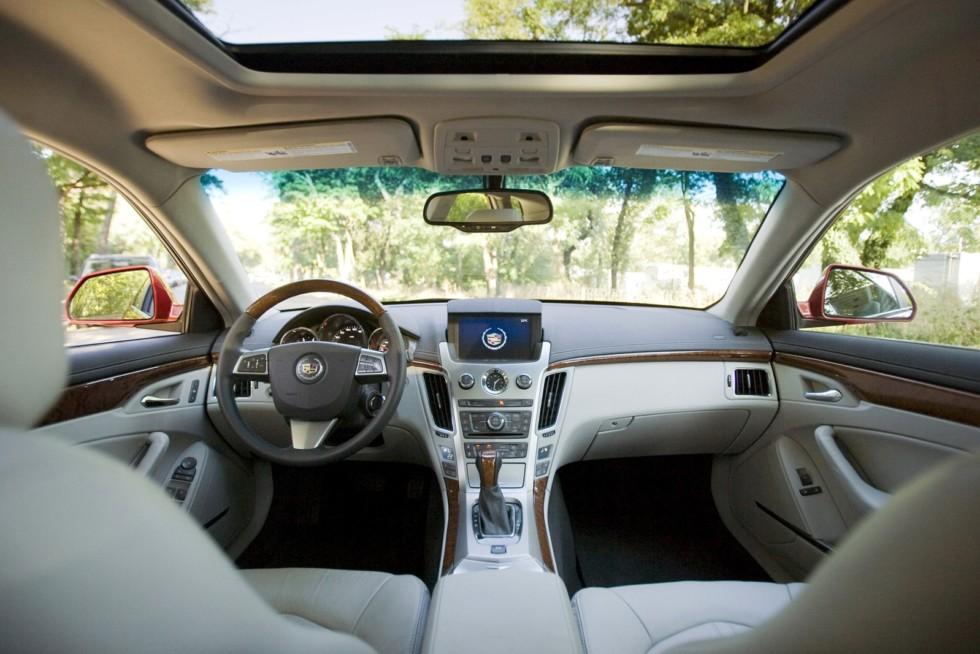 Интерьер Cadillac CTS Sport Wagon Worldwide '2010–11