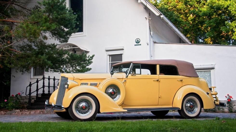 Packard Eight 1937 жёлтый три четверти (7)