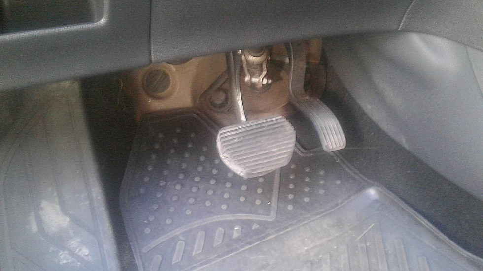 Peugeot 308 педальный узел