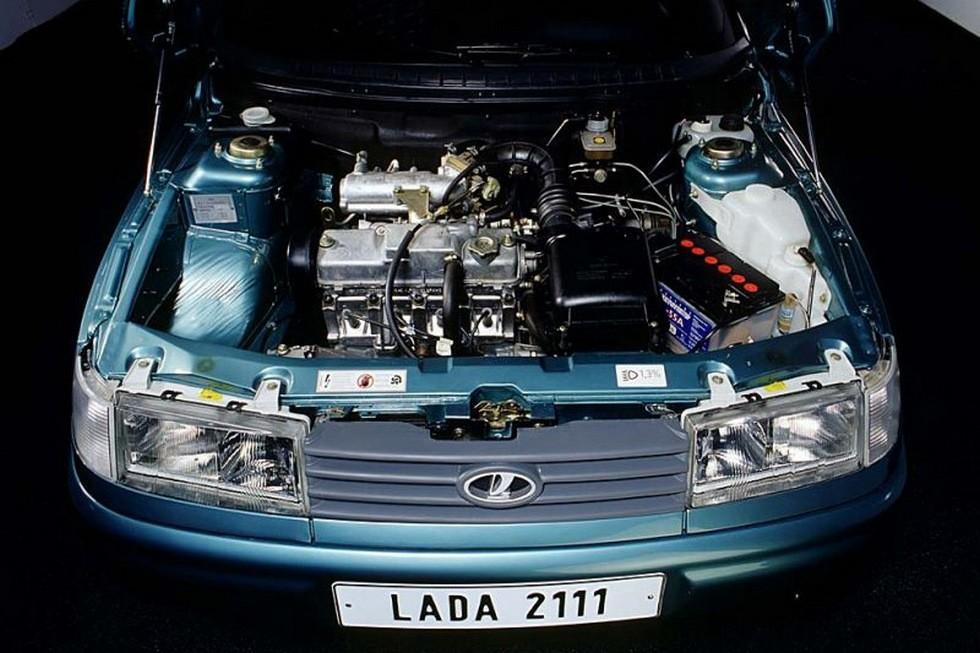 Под капотом Lada 111 '1997–2009
