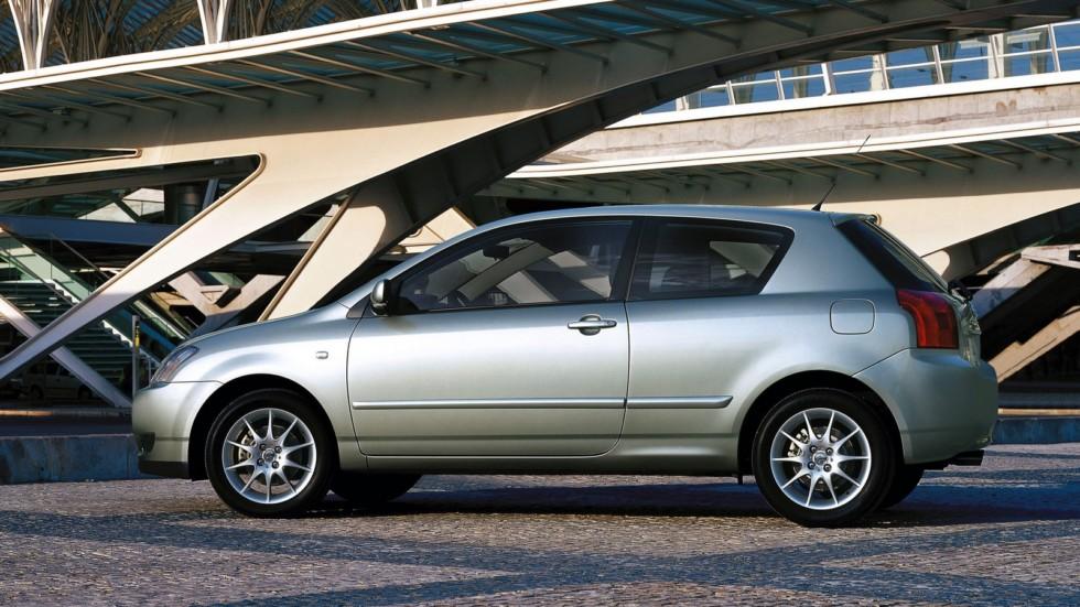 Toyota Corolla 3-door Worldwide '2001–04ч