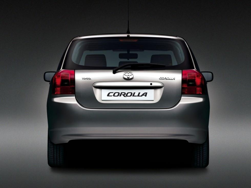 Toyota Corolla 5-door Worldwide '2001–04 сзади