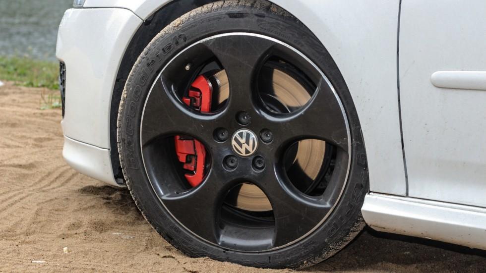 Volkswagen Golf GTI колесо