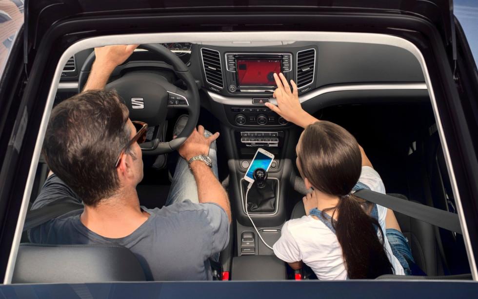 Пока BlaBlaCar берет деньги за пользование сервисом лишь с пассажиров, но и для водителей «счетчик» может включиться в любой момент, причем платить придется как оператору, так и государству.