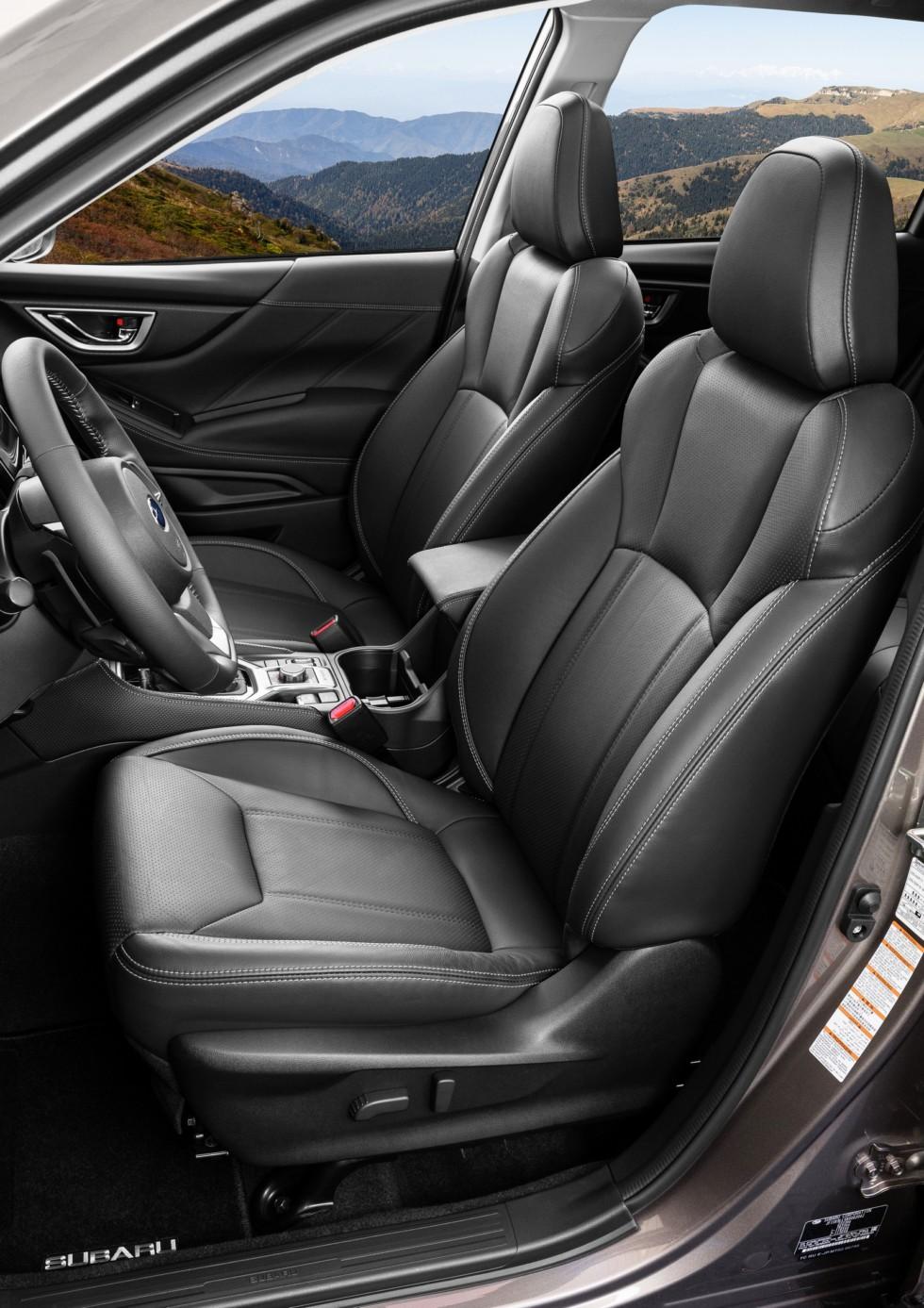 Subaru Forester SK передние сидения