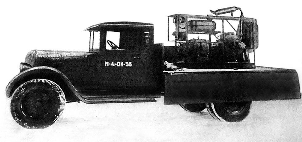 Довоенная 29-киловаттная электростанция АЭС-2 в кузове ЗИС-5 (из фондов петербургского Музея артиллерии)