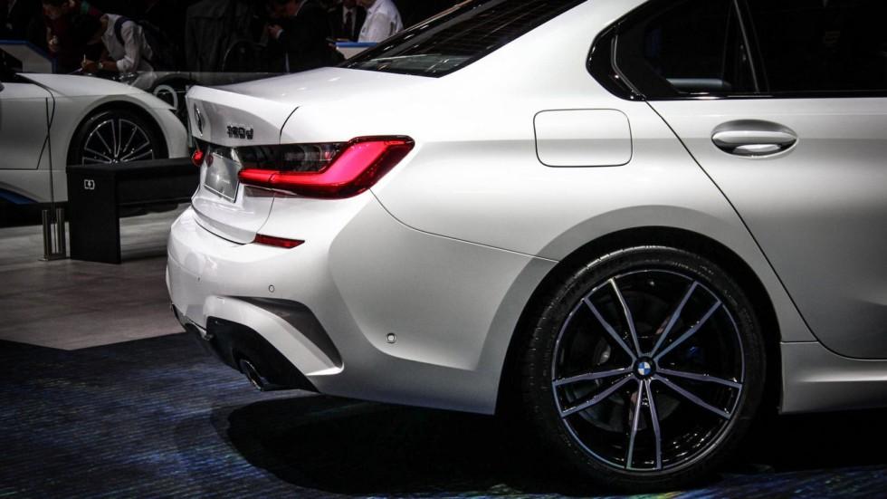 BMW 3 серии белая сзади