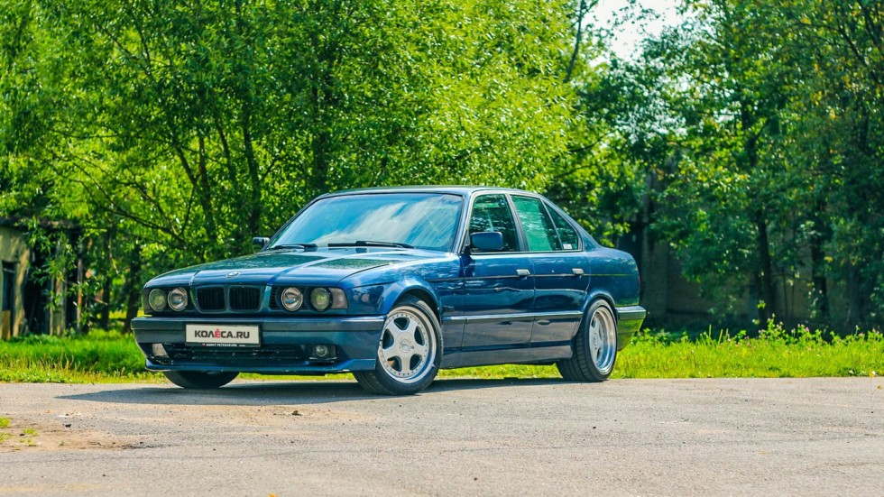 BMW-5-серии-E34-три-четверти