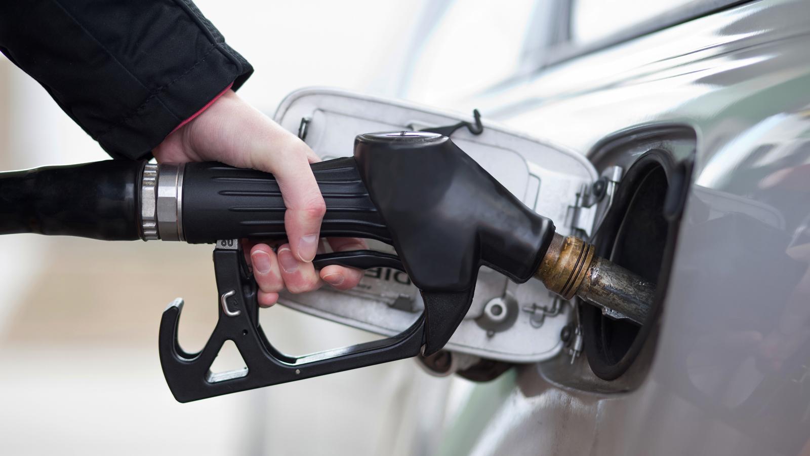 Украинские АЗС завыходные взвинтили цены набензин