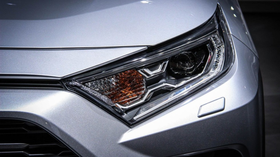 Toyota RAV4 фара